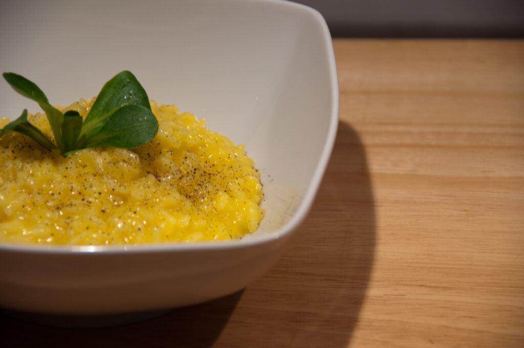 italian food: risotto allo zafferano